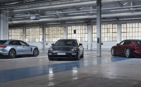 Tot zelfs 700 pk: nieuwe plug-in hybrideversies voor Porsche Panamera.