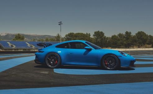 Nieuwe Porsche 911 GT3 is geboren op het circuit.