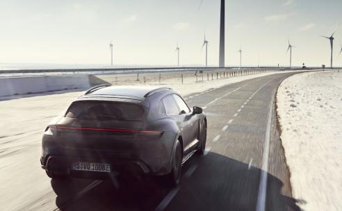Testprogramma nieuwe Porsche Taycan Cross Turismo doet ook Nederland aan.